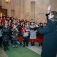 VI Kihelkonna talvelaulupeol lauldi nii kirikus, kuuse all kui ka rahvamajas. Fotod: Tambet Allik