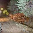 30. novembril kell 19.41 sai politsei teate liiklusõnnetusest Kaarma–Sauvere tee 7. kilomeetril. Metsamaterjali vedanud metsaveok Scania koos haagisega kaldus sirgel teelõigul paremale, sõites pehmele teepervele ja sealt kraavi. Haagis ümarpuidukoormaga […]