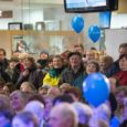 """Ajaleht Saarte Hääl tähistas teisipäeva õhtul Auriga kaubanduskeskuses oma 9. sünnipäeva armastatud ansambli Kaunimate Aastate Vennaskond kontserdiga. Lisaks kogus Saarte Hääle meeskond teisipäeva jooksul vähiravifondile """"Kingitud elu"""" kokku 600 eurot. […]"""