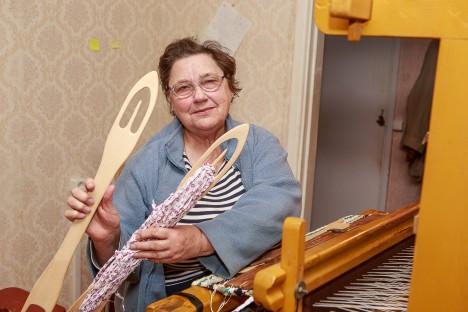 VANA ASJA UUEKS LOOMA: Marje Reimani hobi on käsitöö. Kaltsuvaipade kudumine on üks osa sellest. TAMBET ALLIK