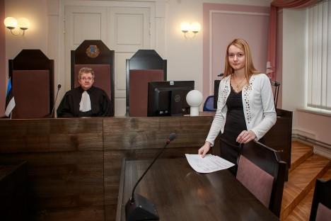 ISTUNG ON KOHE ALGAMAS: Kohtunik Kristel Pedassaar on senise kohtuistungisekretäri Janika Sarantšukiga väga rahul. Nende koostöö sujub tõrgeteta. TAMBET ALLIK