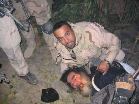 LÕPP VÕI ALGUS? See pilt Saddam Husseinist on tehtud 2003. aasta 13. detsembril, kui Ameerika sõdurid ta tabasid ja peidikust välja tõid. Tema pärand meile olevat ka praegu kogu maailma hirmutav terroriorganisatsioon. WIKIPEDIA.ORG