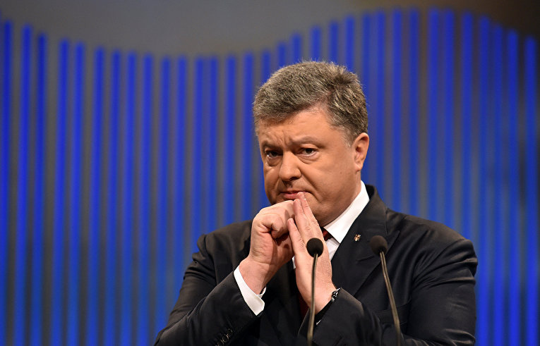 Vähemalt nii arvab ingliskeelses veebiväljaandes Bloomberg.com ilmunud arvamusartiklis poliitikavaatleja Leonid Ragozin. Ragozini arvates on kaks aastat tagasi rahvaülestõusu tagajärjel Kiievis võimule pääsenud valitsuse hiilgus tänase seisuga kuhtunud. Rahulolematuks on muutunud […]