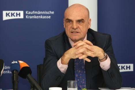 OHUALLIKAS: Halle-Wittenbergi ülikooli juuraprofessori Kai-Detlef Bussmanni arvates on  sularaha reguleerimatu ringlus suur ohuallikas riigi julgeoleku jaoks, sest see võimaldab kurikaeltel ja terroristidel end õiguskaitseorganite eest varjata.  KKH.DE