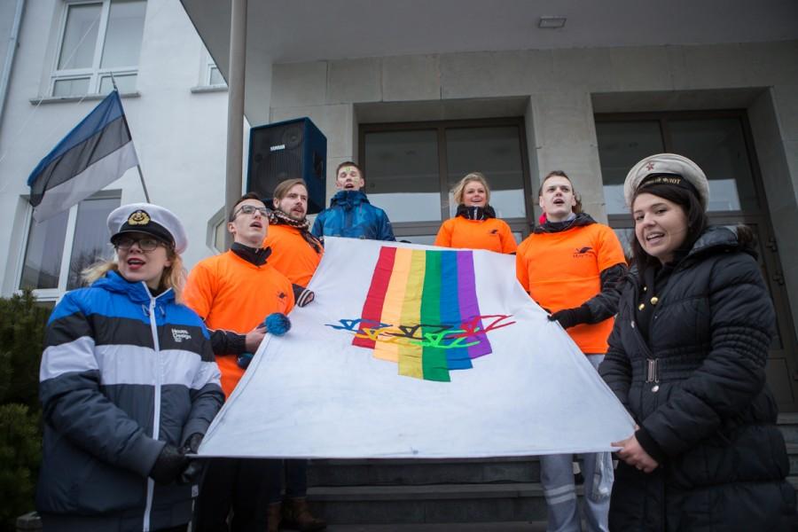 Täna hommikult suunduti rongkäiguga Saaremaa ühisgümnaasiumi IX taliolümpiamängudele. Fotod: Raul Vinni