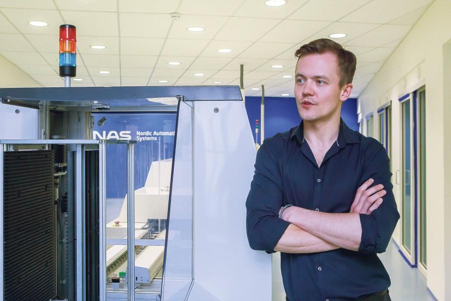 """Norra elektroonikatööstuse Nordic Automation Systems AS tütarettevõte NAS Electronics on Kuressaares endises Maapanga majas end kenasti sisse seadnud ja töö käib.  """"Töö käib tõesti ja mitmel rindel,"""" kinnitas tööstuse […]"""