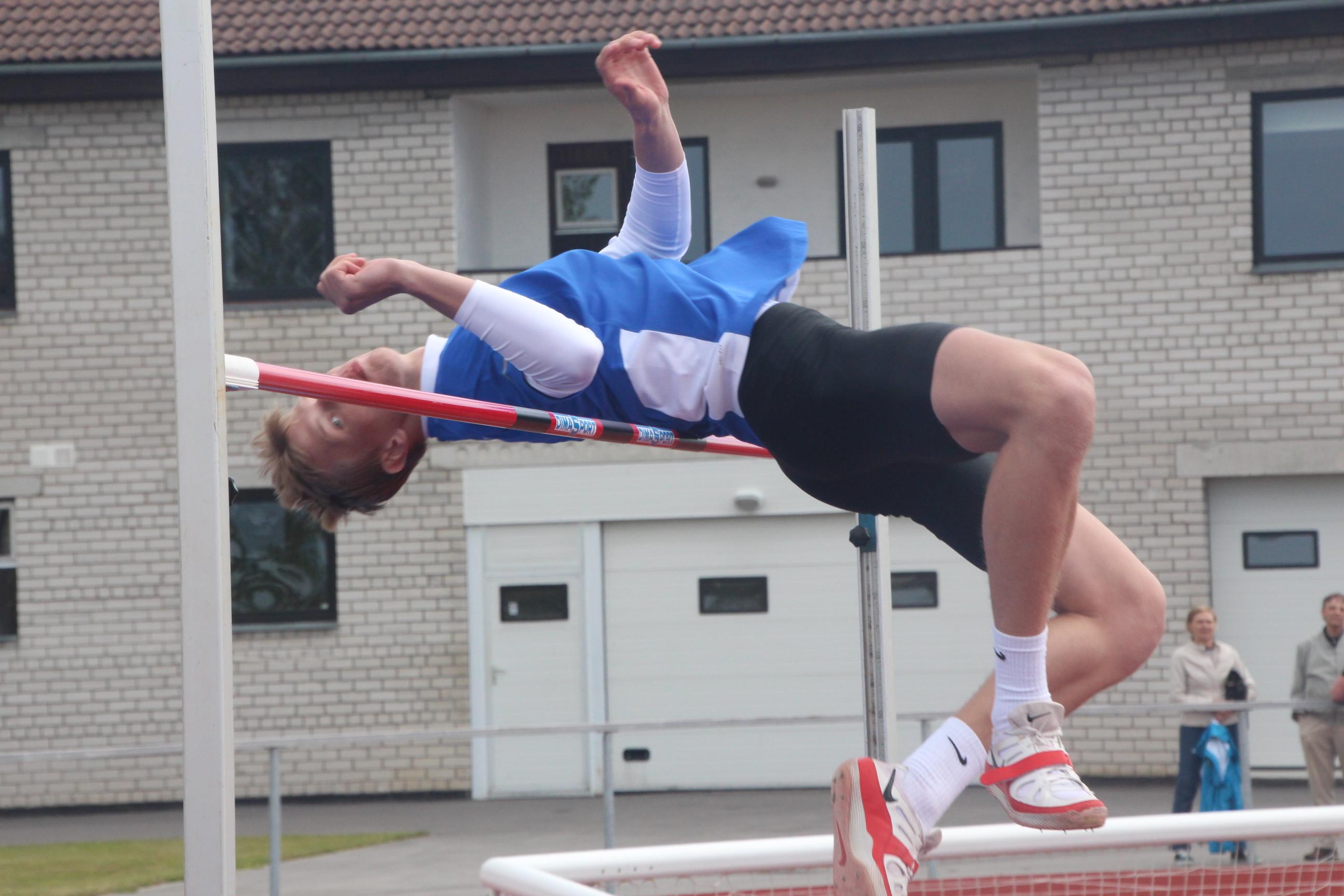 Tartu ülikooli spordihoones toimunud Eesti juunioride talvistel kergejõustiku meistrivõistlustel võitsid KJK Saare noormehed kaks kuld- ja kolm pronksmedalit ning püstitasid mitu isiklikku rekordit. 60 m tõkkejooksus võitis Johannes Treiel uue […]