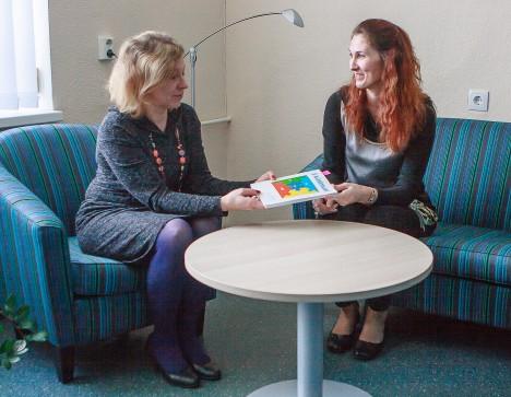 KASULIK RAAMAT: Daili Tuulingu ja Eveli Kallase sõnul on Colette de Bruini autismi-teemaline teos suurepärane käsiraamat. TAMBET ALLIK
