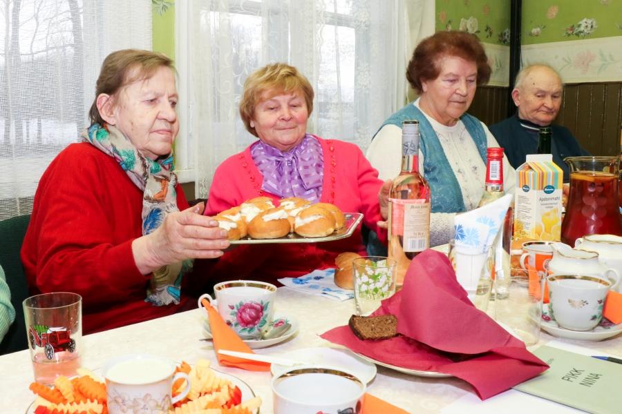 Kõrkvere Selts tähistas kolme tähtsat sündmust korraga – neljandat aastapäeva, vastlapäeva ning sõbrapäeva. Fotod ja video: Irina Mägi