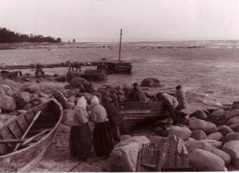 AASTAKÜMNEID TAGASI: Ringsu neemel 1943. aastal. Eugen Kirschhoffi ülesvõte. RUHNU MUUSEUM