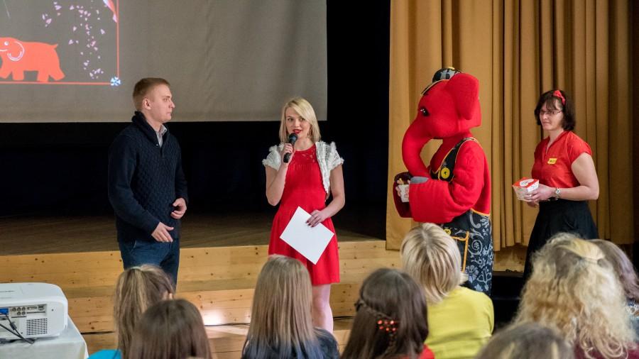Aga mitte ainult. Noorteühingu TORE ehk Tugiõpilaste Oma Ring Eestis aastakonverentsi alustuseks löödi Leisi keskkoolis eile küll tantsu, ent kuulati ka külalisi ja osaleti töötubades. Kuna TORE konverents toimub tänavu […]