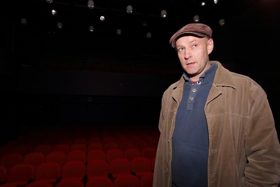 Eile 50-aastaseks saanud Aarne Mägi (pildil) on teatriga seotud olnud 18. eluaastast. Ta on lõpetanud Tallinna pedagoogilise instituudi näitejuhtimise erialal ja töötanud pikka aega näitlejana Tallinnas VAT teatris. Käesoleva sajandi […]