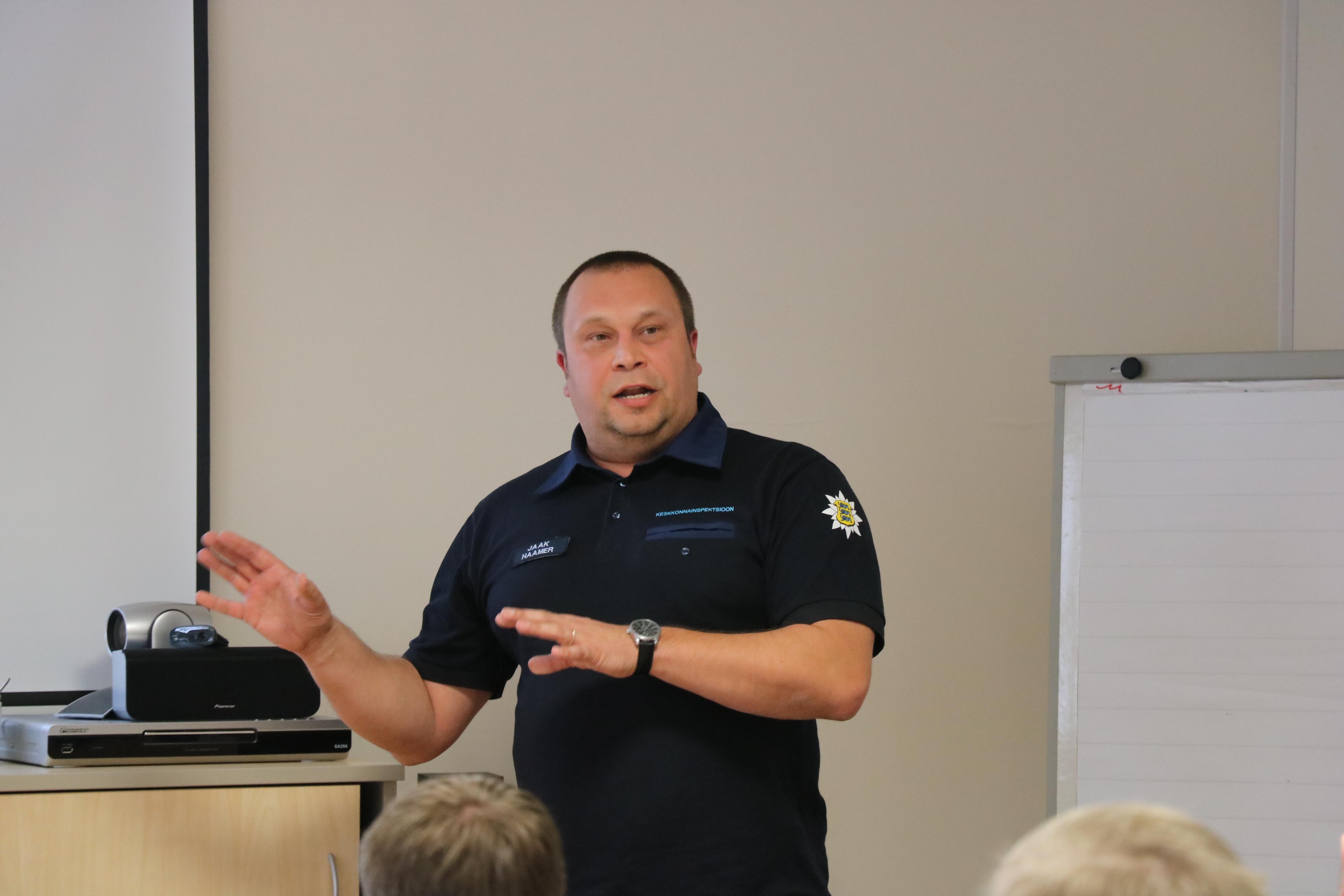 Eile toimus keskkonnaameti Saaremaa kontori saalis Saaremaa jahimeeste seltsi ja keskkonnainspektsiooni ühine teabepäev. Ürituse esimeses osas andis keskkonnainspektsiooni Saaremaa büroo juhataja Jaak Haamer ülevaate eelmisel aastal maakonnas toime pandud jahiseaduse […]