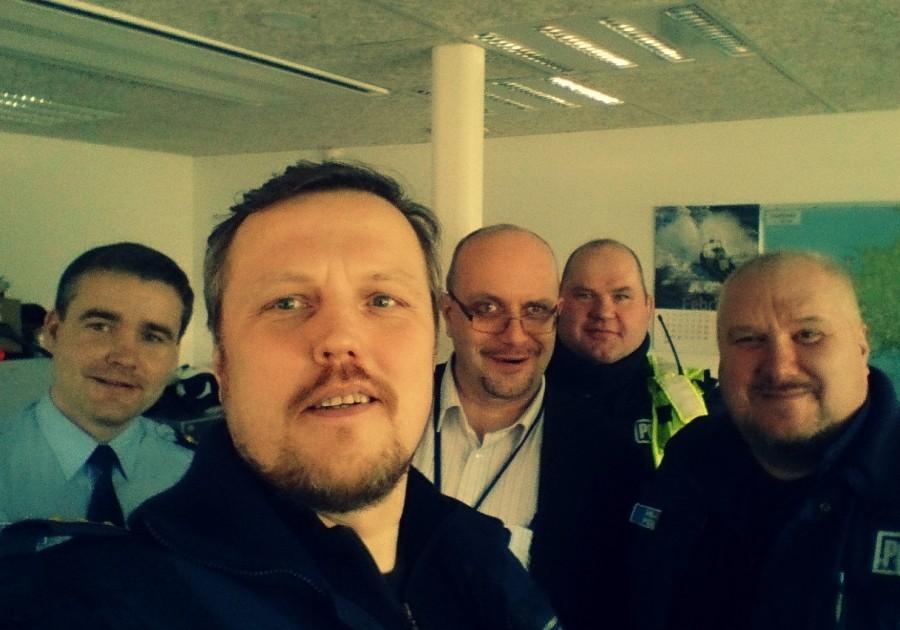 1. märts on kirjas kuupäevana, mil taasloodi Eesti politsei. Tähtsa päeva puhul leidsid Kuressaare politseijaoskonna staažikamad ametnikud võimaluse koonduda ühispildile. Õnnesoovidega ühineb ka Saarte Hääl. Fotol vasakult Rainer Antsaar, Meelis […]