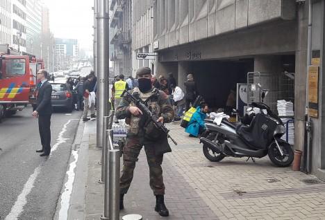 TERRORI ALL: Brüsselis võib igal sammul näha automaatidega varustatud sõdureid. CEDRIK SIMON