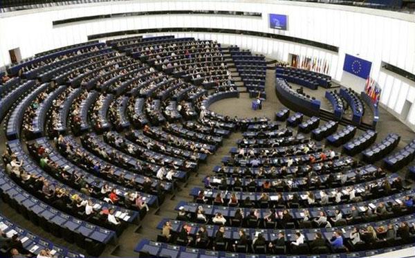 Prantsusmaal Strasbourg'i linnas avanes Kuressaare gümnaasiumi 24 gümnasistil võimalus järele proovida, kuidas näeb välja Euroopa Parlamendi saadiku tööpäev. KG õpilased said Strasbourg'i sõita, kuna võtsid möödunud aasta sügisel edukalt osa […]