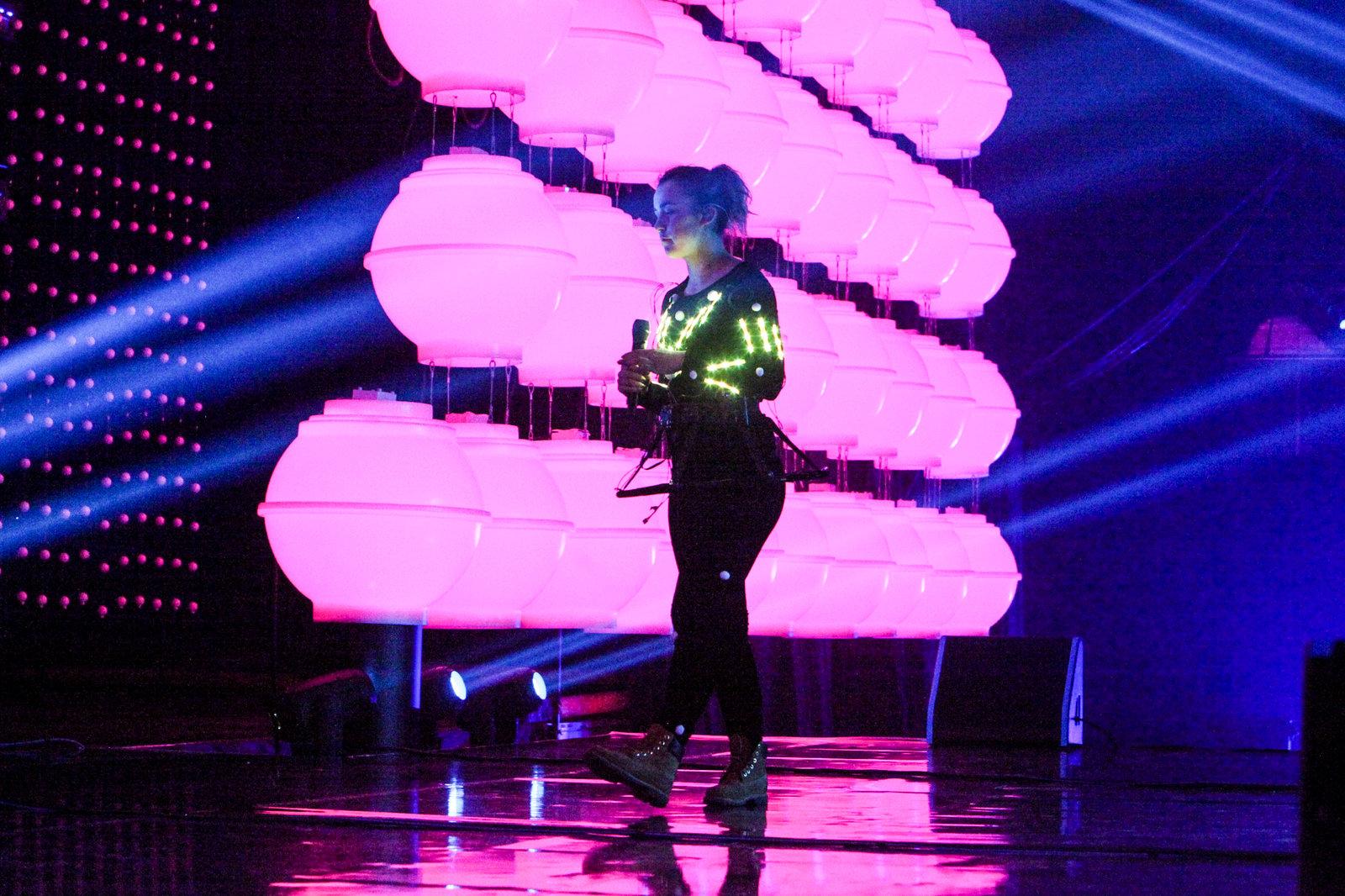 Eesti Laul 2016 võitis Jüri Pootsman. Koha superfinaalis ja kokkuvõttes kolmanda koha sai ansamblis Cartoon esinenud Kristel Aaslaid. Saarlannad Grete Paia ja Kati Laev olid vastavalt 7. ja 10. kohal.