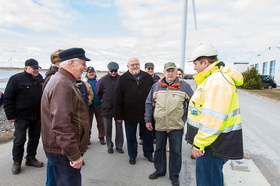 """Eile pärastlõunal võõrustas Nasval asuva Baltic Workboatsi tootmisjuht Raivo Mets Saaremaa väärikate meeste klubi liikmeid. Äsjaloodud meesteklubile oli see esimene tutvumisreis oma maakonnas. """"Viis pluss. Euroopa tasemel ettevõte. Väga kiiresti […]"""