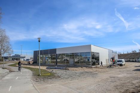 KESKUS AINA EDENEB: Uksed avab uus autokeskus juba 23. mail. MAANUS MASING