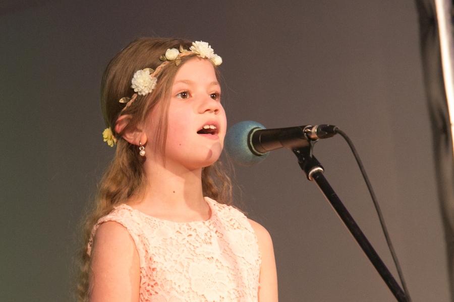 Reedel toimus Kuressaare kultuurikeskuses Kuressaare 3-13-aastaste laste laulukonkurss Kuressaare Laululind 2016. Tegemist on traditsioonilise üritusega, mis toimub iga kahe aasta tagant. 3-7-aastaste vanusegrupis osales 20 last, 8-10-aastaste vanusegrupis 15 last […]
