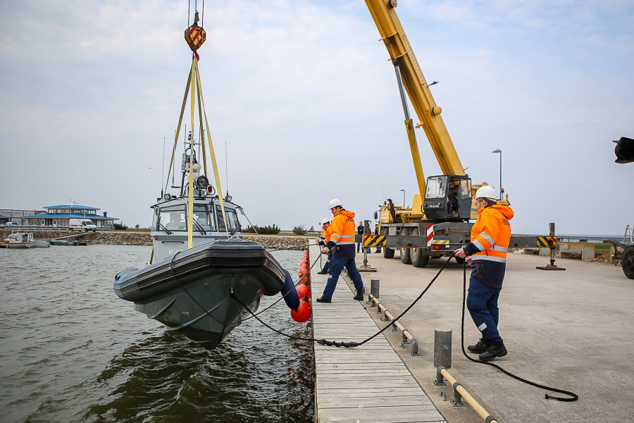 Eile hommikul lasti Roomassaare sadamas vette Pärnu, Kärdla ja Kuressaare politseijaoskonna suuremad mootorpaadid. Kuressaare mootorpaat M-40 jäi Roomassaare sadamasse. Kärdla ja Pärnu mootorpaadid M-42 ja M-37 suundusid oma kodusadamasse. Lääne […]