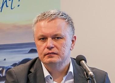 Maksu- ja tolliameti peagi ametist lahkuv peadirektor Marek Helm kohtus eile Saaremaa ettevõtjate ja omavalitsusjuhtidega. Kui kohtumine algas saarlasest maksuametijuhi ettekandega, siis õhtu edenedes toimus ka arutelu maksupoliitika ja selle […]