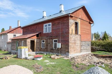 TÖÖD KÄIVAD: Majja tuleb neli korterit suurusega 28–53 m². MAANUS MASING