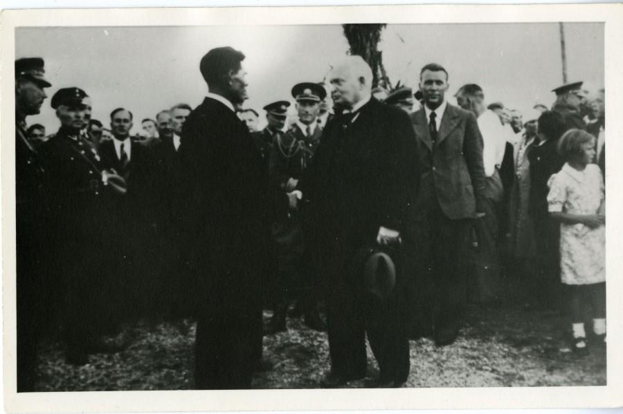 12. märtsil 1934 toimusid murrangulised sündmused Eesti Vabariigi sisepoliitilises elus. Samal päeval andis Lääne-Saare prefekt telefonogrammi Saaremaa politseile korraldusega vahi alla võtta vabadussõjalaste liitude ja osakondade juhatuse liikmed ja nende […]
