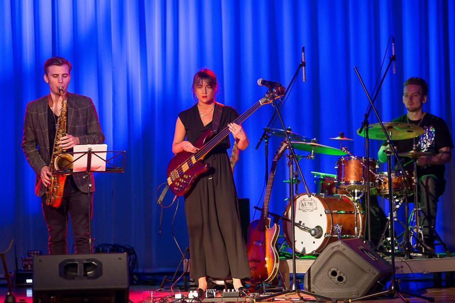 Kolmapäeva õhtul andis Kuressaare kultuurikeskuses kontserdi Saaremaalt pärit basskitarristi ja helilooja Mai Agana bänd MaiGroup. Eesti-Rootsi jazz-fusion-ansamblis musitseerivad lisaks Mai Aganale Björn Arkö saksofonil, Simon Berggren klaveril, Calle Stålenbring kitarril […]