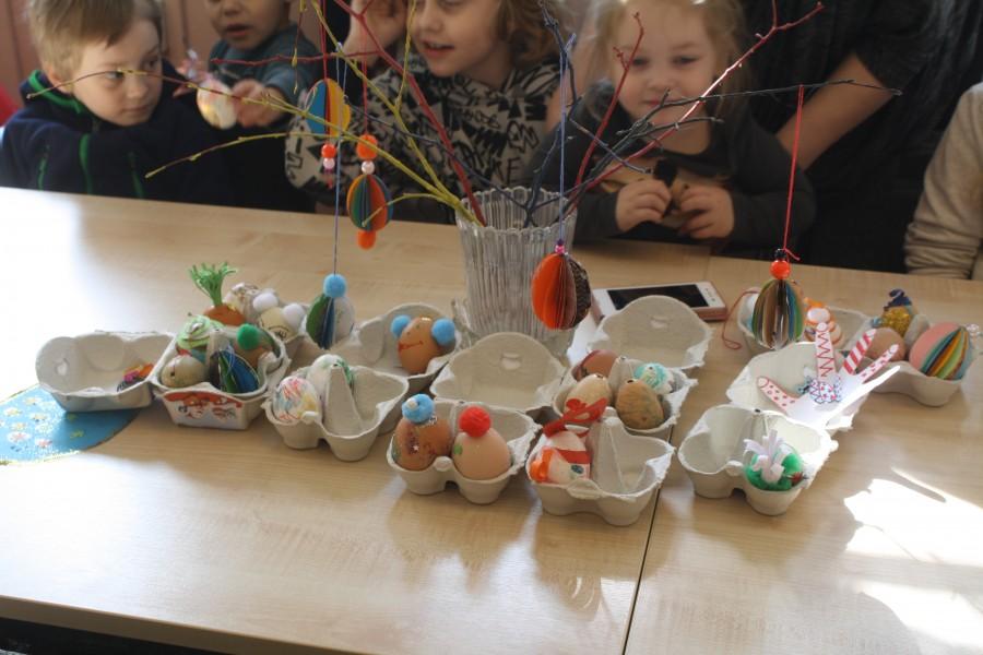 27. märtsil kell 12 said pered Randvere tööõppekeskuses paar tundi omakeskis aega veeta. Lapsi kogunes laua ümber kümmekond. Nad ei suutnud oodata, millal vahendid valmis pannakse, vaid lasid kohe oma […]