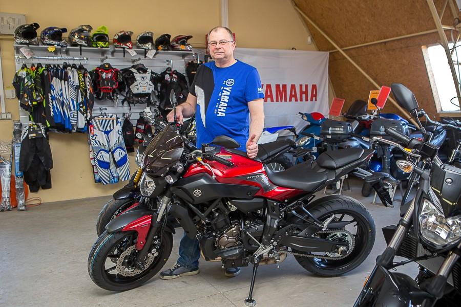 Sellest kevadest on Kuressaares Talli tänaval asuv Motokaupade kauplus Yamaha mootorrataste ametlik esindus Saaremaal. Nõnda pole Yamaha rataste soetamiseks enam tarvis mandrile sõita. Autofrend OÜ Motokaupade kaupluse juhataja Tauno Kiis […]