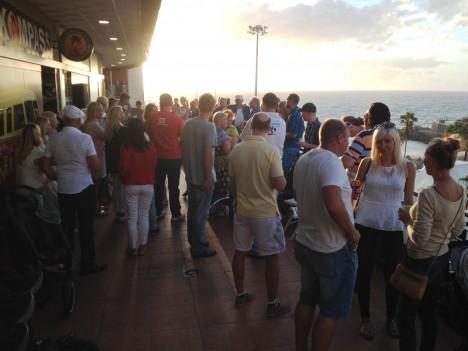 SALONG: Reede õhtul Tenerife Kompassi ees meeleolukal salongiüritusel. ERAKOGU