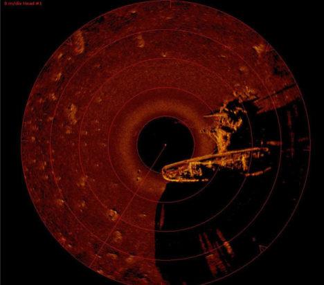 Ringskaneeriva sonari foto vrakist. Tuukritööde OÜ 2012.
