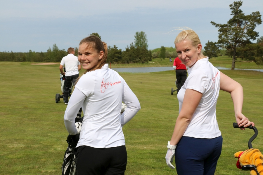 Reedel toimus Kuressaares Saare Golfi väljakul maailma suurim äriringkondade golfiüritus World Corporate Golf ChallengeEesti kvalifikatsioonivõistlus, mille võitjapaar sõidab juunis maailma finaalvõistlusele Portugali 21.-26. juunini. Fotod: Irina Mägi