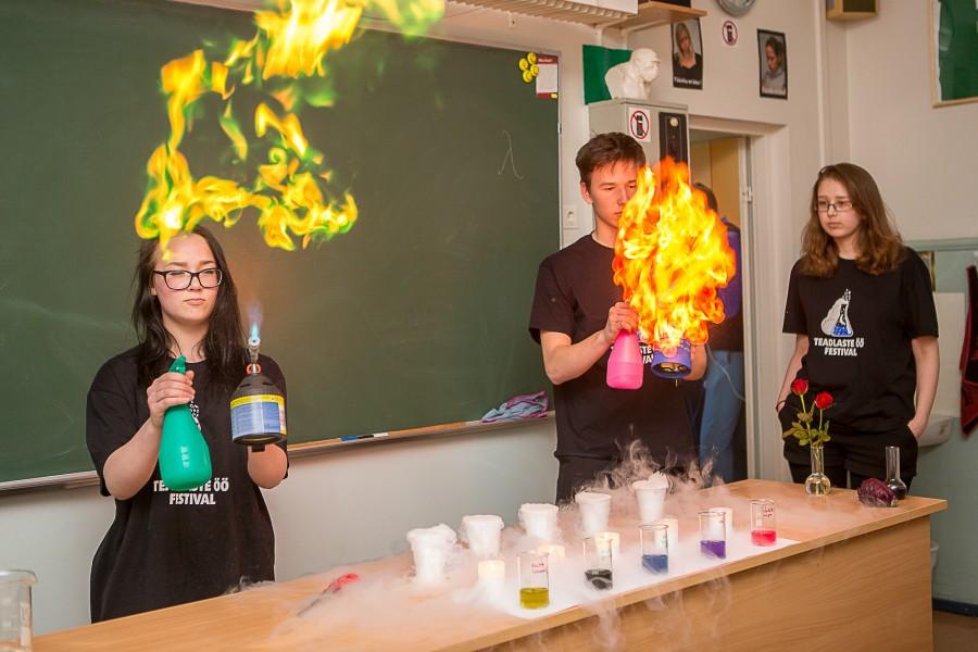 Eile korraldati Saaremaa ühisgümnaasiumis 3.–4. klasside õpilastele teaduspäev, mille konverentsiosas esitlesid õpilased oma uurimistöid. Mida tähendab teadlane olla, rääkis lastele Triin Reitalu, õpilased osalesid erinevatestöötubades ja kooli teadusteater andis füüsikaklassis […]
