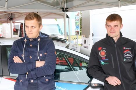 RALLIÄSSAD: Rasmus Uustulnd ja Imre Kuusk on võistluseks valmis. Foto: IRINA MÄGI
