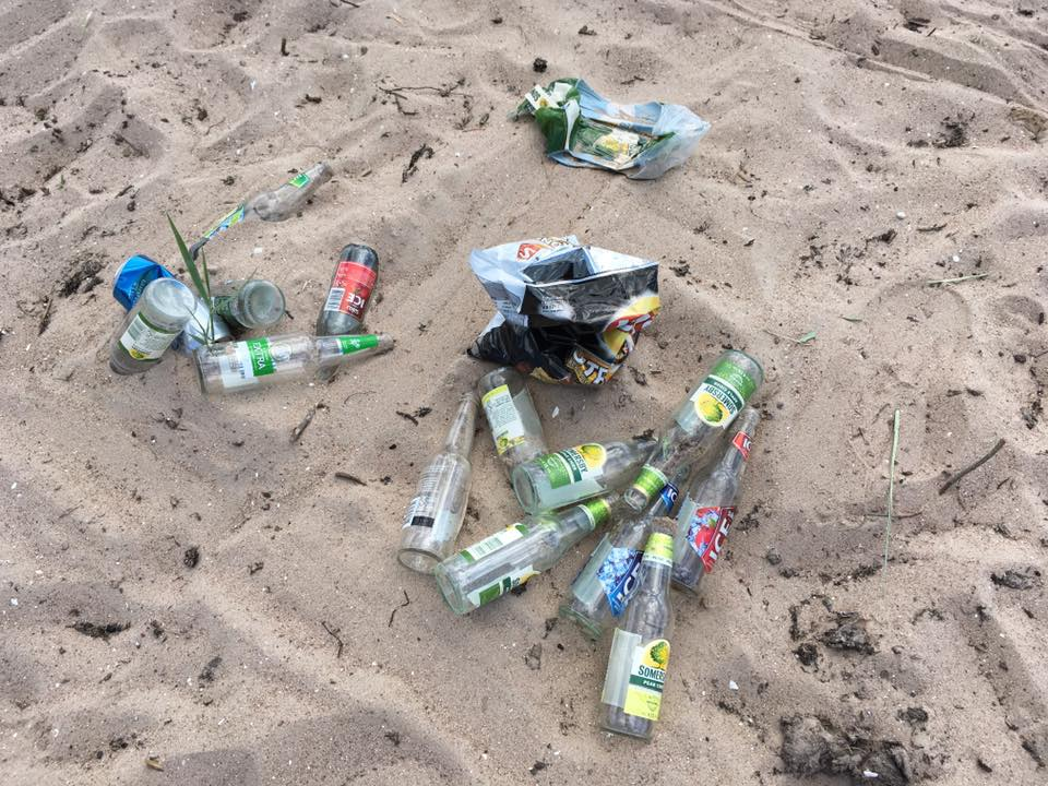 Mändjala Surfclub palub Facebookis abi leidmaks üles inimesed, kes jätsid oma taara ja muu risu randa laiali. Samuti on rannas autoga rallitud otse veepiiril. Surfiklubi FB-lehe andmeil on nad sel […]