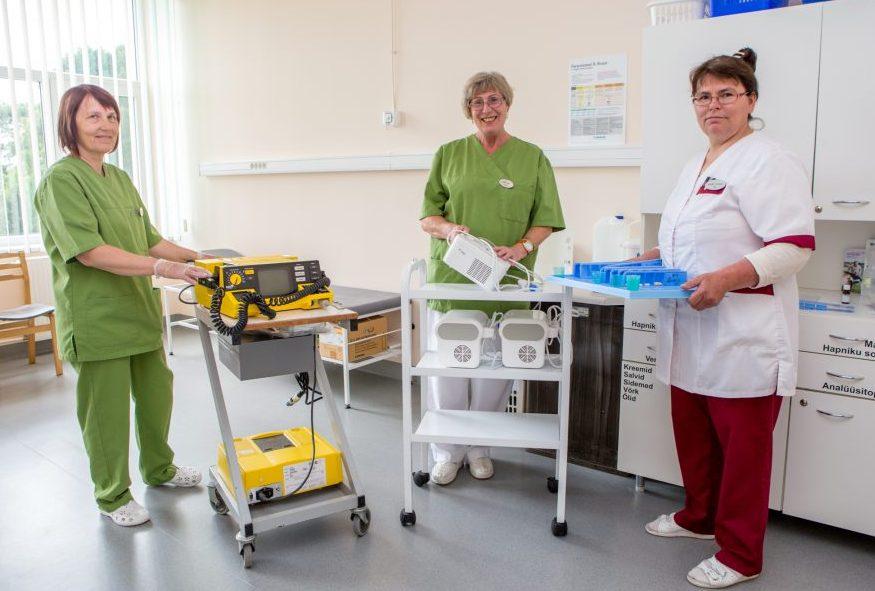 """Kuressaare haigla vajab nii arste, õdesid, füsio- ja tegevusterapeuti kui ka hooldajat. Kuressaare haigla koduleheküljelt võib leida kuulutuse """"Ootame oma meeskonda tööle oftalmoloogi, gastroenteroloogi, psühhiaatrit, günekoloogi, sisearsti, õde erinevatesse üksustesse […]"""
