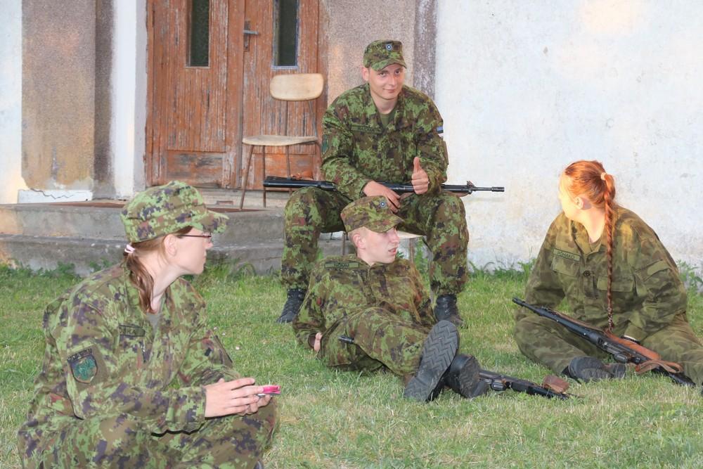 Missioonil hukkunud katseväelase Kristjan Jalaka auks korraldab Kaitseliit Sõrves kahepäevase rännaku. Fotod Irina Mägi