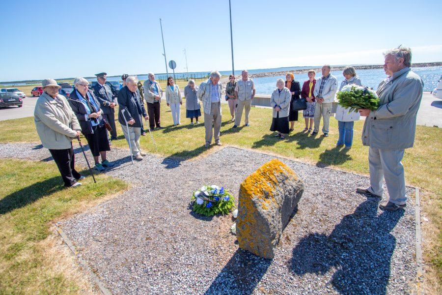 25. märts on mälestuspäev. 14. juuni on mälestuspäev. 1. juuli küüditamise päevast astutakse nagu üle. Ometi oli see tragöödia saarlastele ja hiidlastele. Saarlased käivad igal aastal 14. juunil kollektiivselt ka […]
