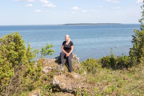 KÜMNED HEKTARID ILUSAT VAADET: Annely Esko rääkis, et Lõetsa projektialal, mille sisse jääb ka Püssina pank, on taastatud 50 hektarit loopealseid ning kavas on taastada veel 20 hektarit. MAANUS MASING