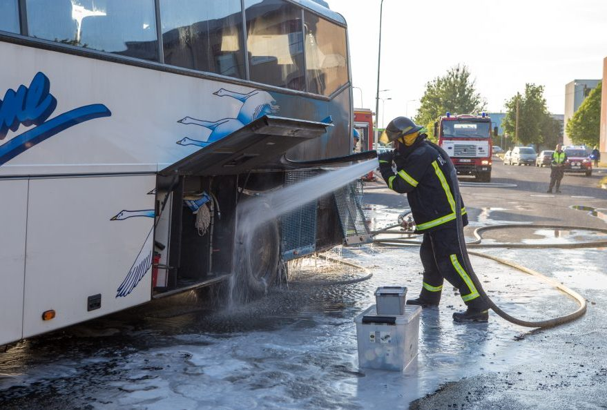 Ida-Niidus põles buss 7. juuni õhtul kell 20.08 sai häirekeskus teate, et Kuressaares Ida-Niidus põleb buss. Kuressaare päästekomando meeskonnavanema Andrus Kondi sõnul põles bussi tagaosa mootoriruum, leegid olid katete vahelt […]