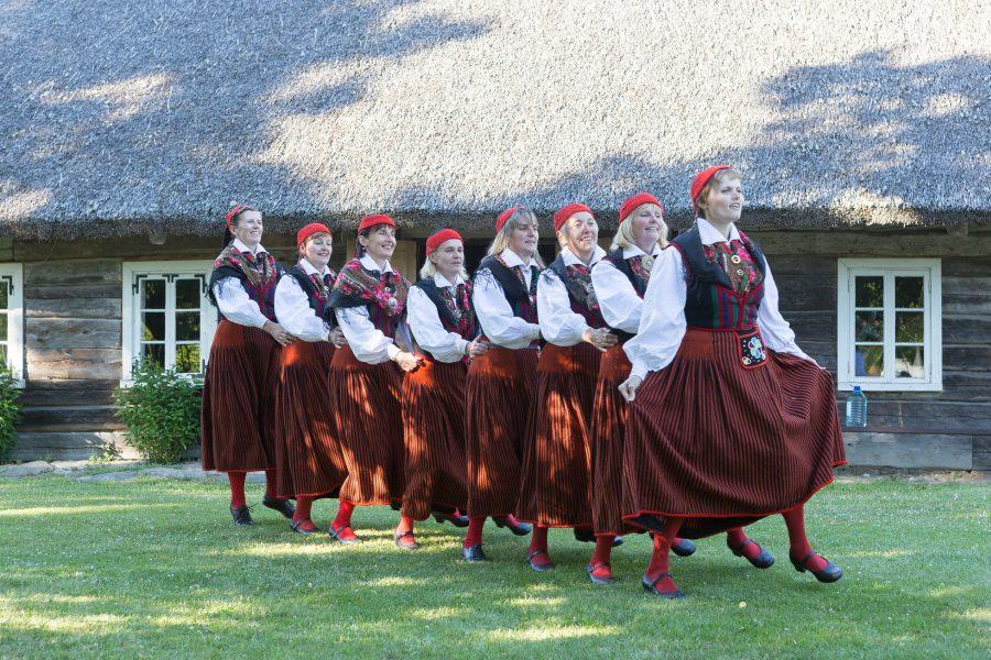 1. juulil tähistab Saaremaa suvesimman oma 30. toimumiskorda. Mihkli talumuuseumi kaunil õuel toimuv simman on läbi aastakümnete kujunenud omamoodi Saaremaa rahvakultuuri sümboliks. Juubelisimman toimub tänu Rahvakultuuri Keskuse toetusele tavapärasest laiahaardelisemalt. […]