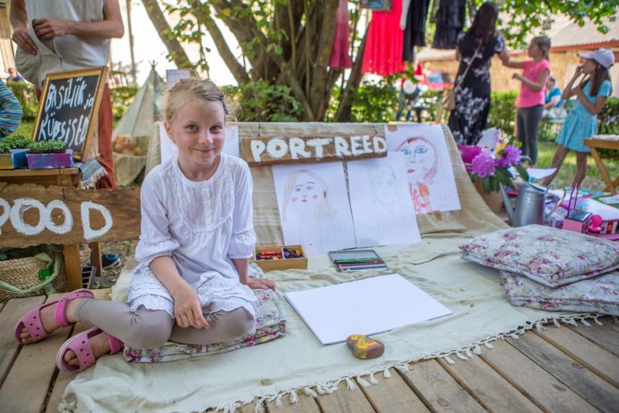 Kolmapäeval Loomesuvilas toimunud laste laat oli esimene üritus seal suvi läbi kestvast laadaprogrammist. Seekord asus lettide taha 39 noort kaupmeest. Kuna kauplejatel olid kaasas ka lapsevanemad, tõusis osalejate arv koos […]