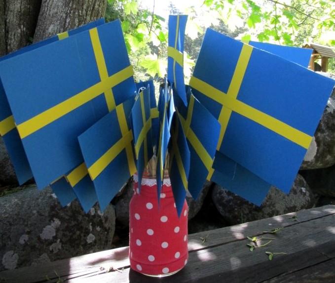 Esmaspäeval tähistatakse Ruhnus Rootsi lipupäeva ja austatakse saare esimest aukodanikku, ruhnurootslaste seltsi esimeest Leif Roger Strömfelti. Hommik algab kirikuesisel platsil Rootsi Kuningriigi lipu heiskamise ja hümni laulmisega, teatas vallavanem Jaan […]