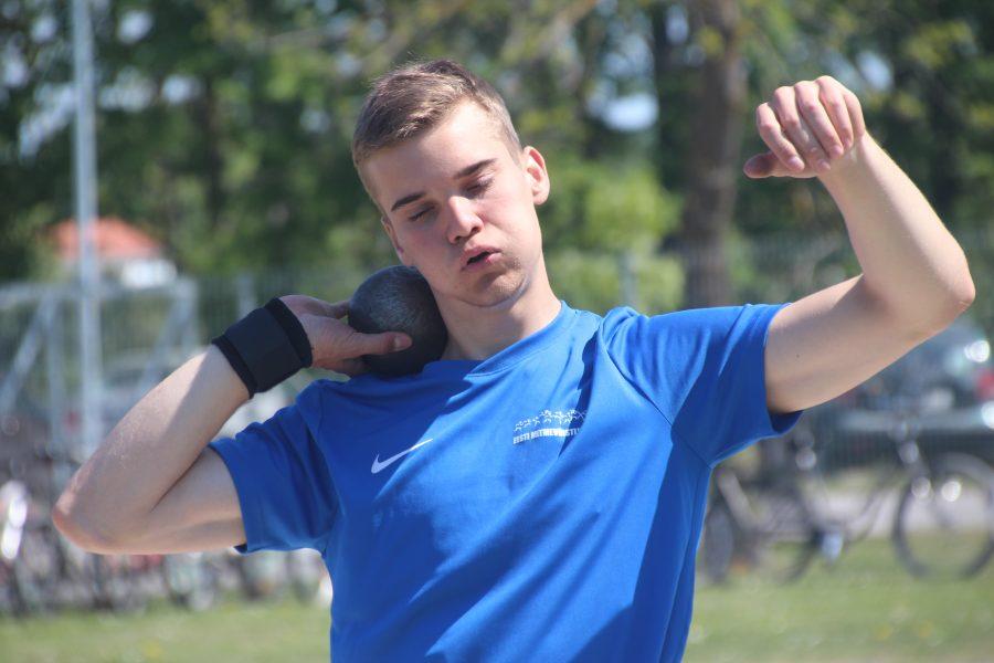 Kergejõustikuklubi noored mitmevõistlejad osalesid 21.-22. juunil Rakvere lahtistel võistlustel, kus püstitasid mitmeid uusi isiklikke rekordeid. Risto Lillemets püstitas 7290 punktiga uue Saaremaa rekordi juunioride kümnevõistluses ja täitis ühtlasi ka juunioride […]