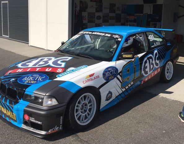 Kuigi autoringraja Eesti meistrivõistlustel on sõita jäänud veel üks etapp, on kõige osavõturohkemas ja vaatemängulisemas BMW 325 Cup klassis parim juba selgunud, kuna sarja liider Andre Kiil on teistele […]