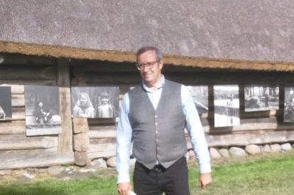 President Toomas Hendrik Ilves ja Ieva Ilves külastasid Ruhnu saart, et kohtuda kohalikega ja avada Ruhnu inimeste elu kajastav fotonäitus. Eesti riigipea avas eile Rannarootsi muuseumi hallatava Korsi talukompleksi 41 […]