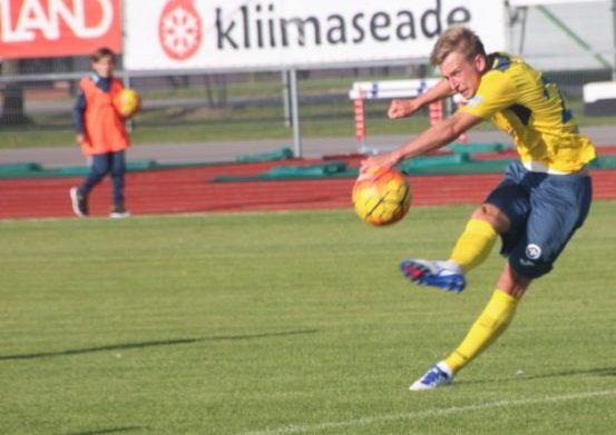 Eilses Esiliiga B kohtumises FC Kuressaare – Tartu JK Welco vahel lõi saarlane Sander Laht värava suisa poolelt väljakult. Saarlaste 8 : 3 võiduga lõppenud mäng oli Lahe jaoks üldse […]