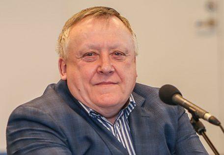 Saaremaa Laevakompanii nõukogu esimees Vjatšeslav Leedo leiab, et poliitilise feimi korjamise asemel peaksid toimiva Väinamere laevaliikluse lammutajad, endised majandusministrid Juhan Parts (IRL) ja Urve Palo (SDE) nurgas häbenema. Eile sai […]